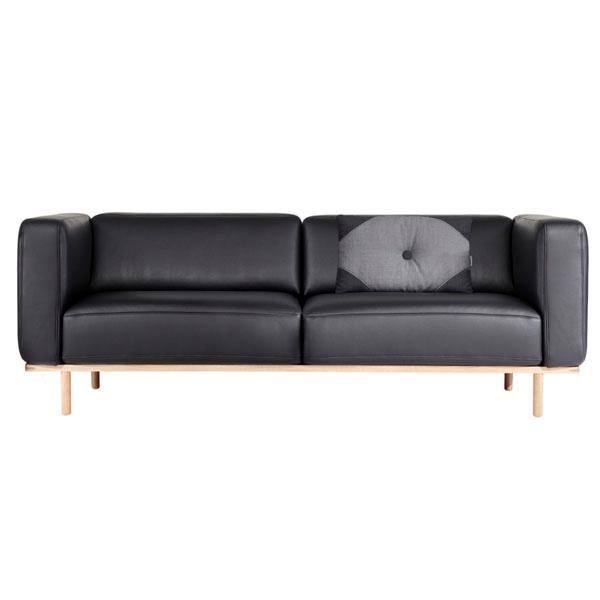 Andersen Furniture A1 2,5-personers sofa – sort læder – stel i hvidpigmenteret eg